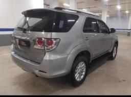 Toyota hillux sw4  4×4 3.0