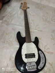 Troco meu contrabaixo por um violão
