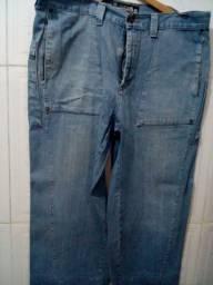 Calça Jeans - Tam.: 46 - Diversos bolsos