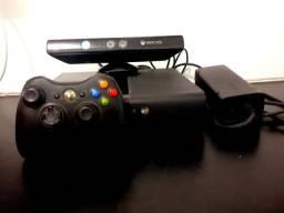Xbox 360 - Com Kinect, fonte original, controle e opção de compra com jogos