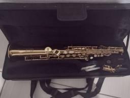 Saxofone reto novo na maleta