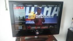 """Título do anúncio: TV LG 32"""""""