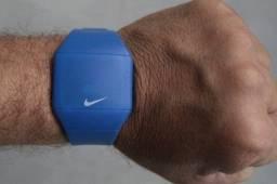Relógio Nike esportivo azul
