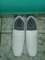 Sapato branco social masculino