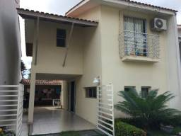 Casa no Condomínio Villa de Sevilha