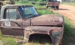 Vendemos caminhões, carretao agricola, carretinhas,peças e muito mais