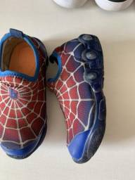 Tênis bibi spider man