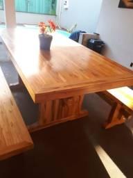 Mesa madeira com 2 bancos