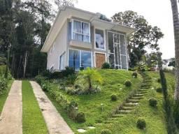 Linda Casa Moderna em condomínio 3 Qtos (1 suíte) Lazer Completo