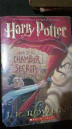 Livro Harry Potter and the Chamber of the Secrets