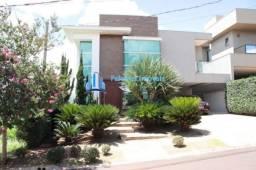 Linda casa no condomínio Bella Citá  com 396 metros quadrados com 4 suítes