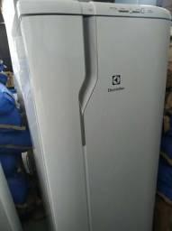 Refrigerador Electrolux RDE33 seminova
