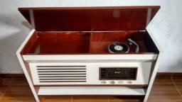 Radio Vitrola Empire