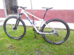 Bicicleta gt avalanche comp aro 29