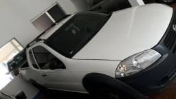 Fiat Strada Strada hd wk top km bem baixo - 2018