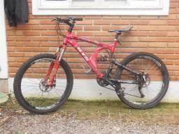Bicicleta aro 26 freios a disco