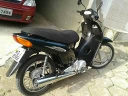 Vendo moto novinha - 2006