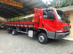 MB Accelo 815 Completo - 2014