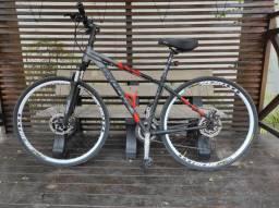 Bicicleta Montain bike semi-nova aro 29