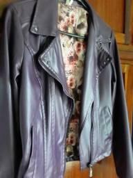 Jaqueta couro fake cor roxa tamanho P - Anapolis Go