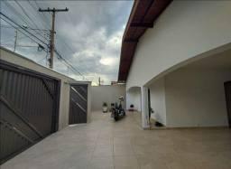 Casa com 4 dormitórios no Jardim São Francisco