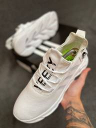 Tênis Adidas Maverick
