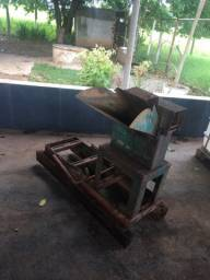 Triturador usado sem motor  800 reais