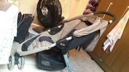 Carrinho bebê Britax três rodas