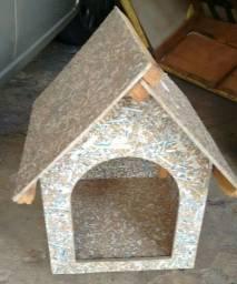 Título do anúncio: Uma casinha pra cachorros segue na descrição