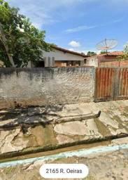 Vende-se casa no bairro Vermelha,próxima à Faculdade Santo Agostinho
