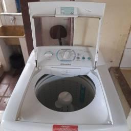VENDO Máquina de lavar 12kg  750,00 bem conservada, chamar *  Junior