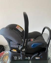 Bebê conforto Maxi-Cosi Citi com base e com redutor.  0 a 13kg cor: Nomad Black