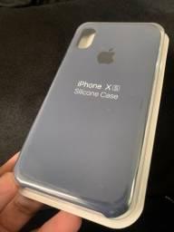 Case de silicone cinza para iPhone XS