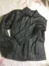 Título do anúncio: Jacketa em couro feminino