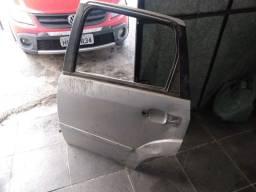 Título do anúncio: Porta traseira esquerda - Ford Fiesta Hatch Zetec Rocam