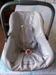 Título do anúncio: Vendo um BB conforto com base e um tapete infantil