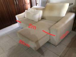 Sofá confortável- peça única