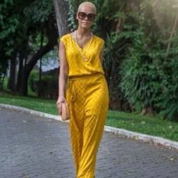 Título do anúncio: Macacão Calvin Klein Poá Amarelo - G