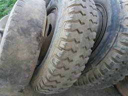 Aros com pneus compreto 8 furos para 1113