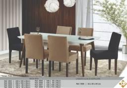 Mesa madeira maciça, 6 cadeiras. Excelente acabamento!