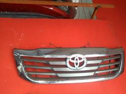 Grade frontal Hilux