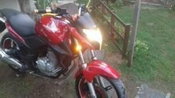 Cb 300 vermelha - 2010