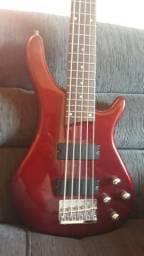 Baixo e guitarra