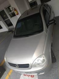 Carro muito bem conservado - 2005