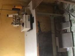 Máquina de costurar galoneira