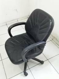 Cadeira escritório Couro Preta Urgente