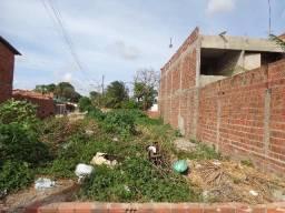 Lote de esquina no Aracapé