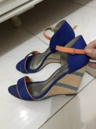 Sandália de tirinhas linda! Preço ótimo!
