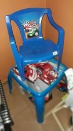 Vendo cadeira i mesa infantil