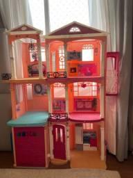 Linda casa da Barbie